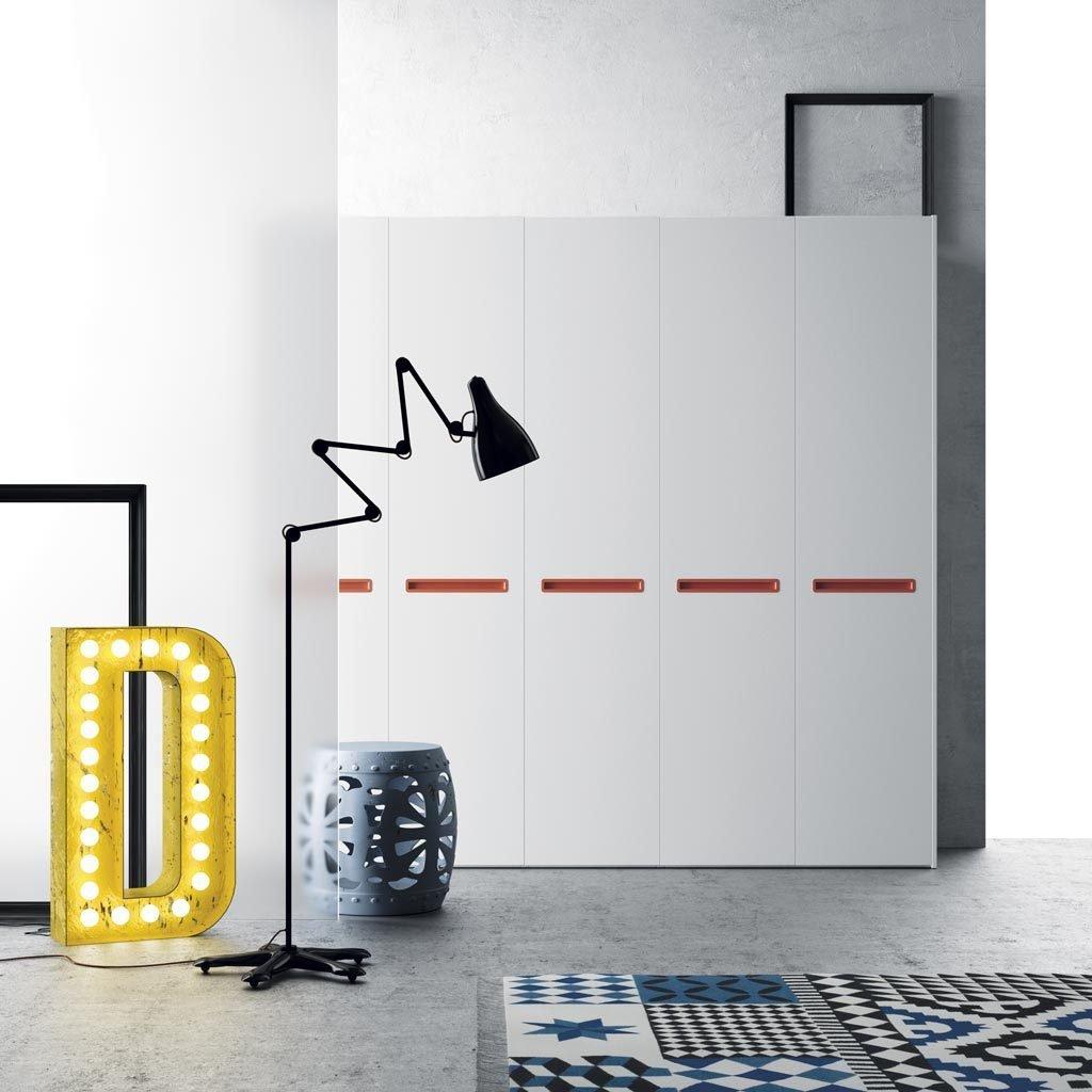 Armario de cinco puertas batientes en color Blanco