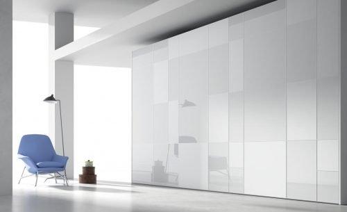 Armarios batientes en Blanco Brillo