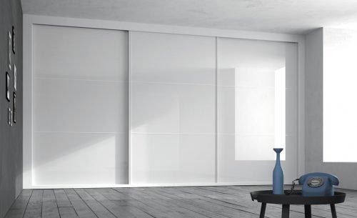 Amplio armario en Blanco Brillo