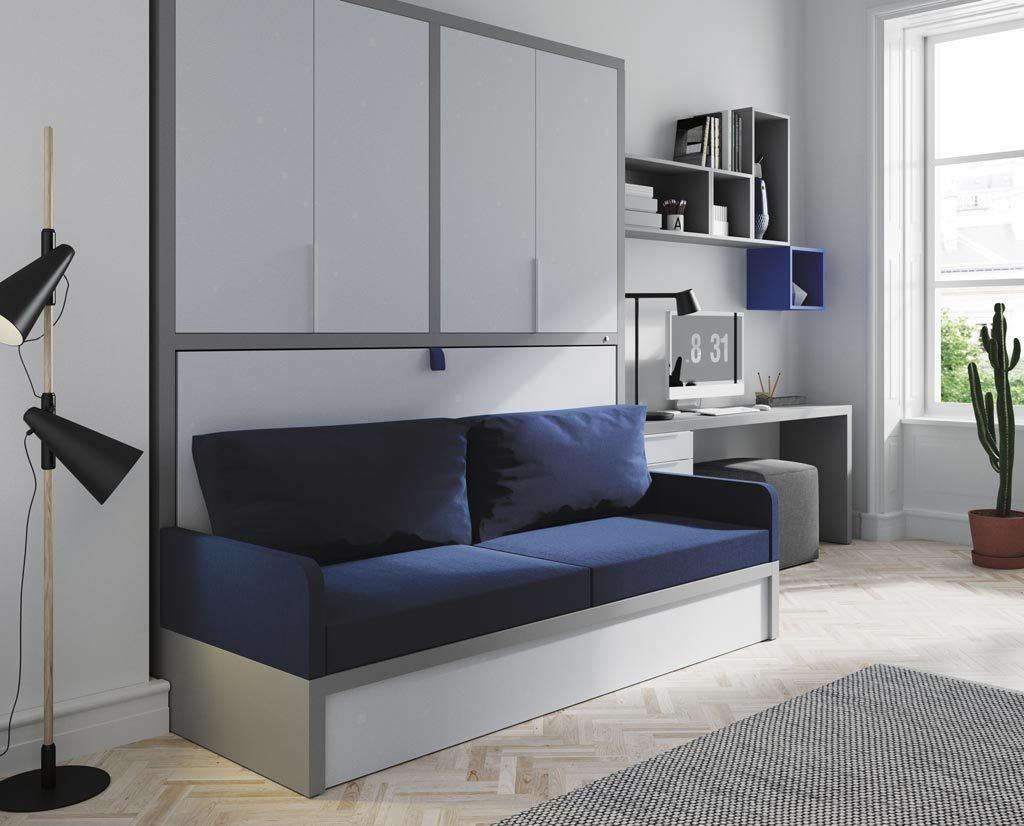 Espacio diferente con cama abatible horizontal con sofá y armario de puertas plegables
