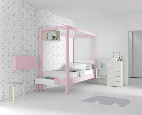 Cama con dosel color rosa para la princesa de la casa