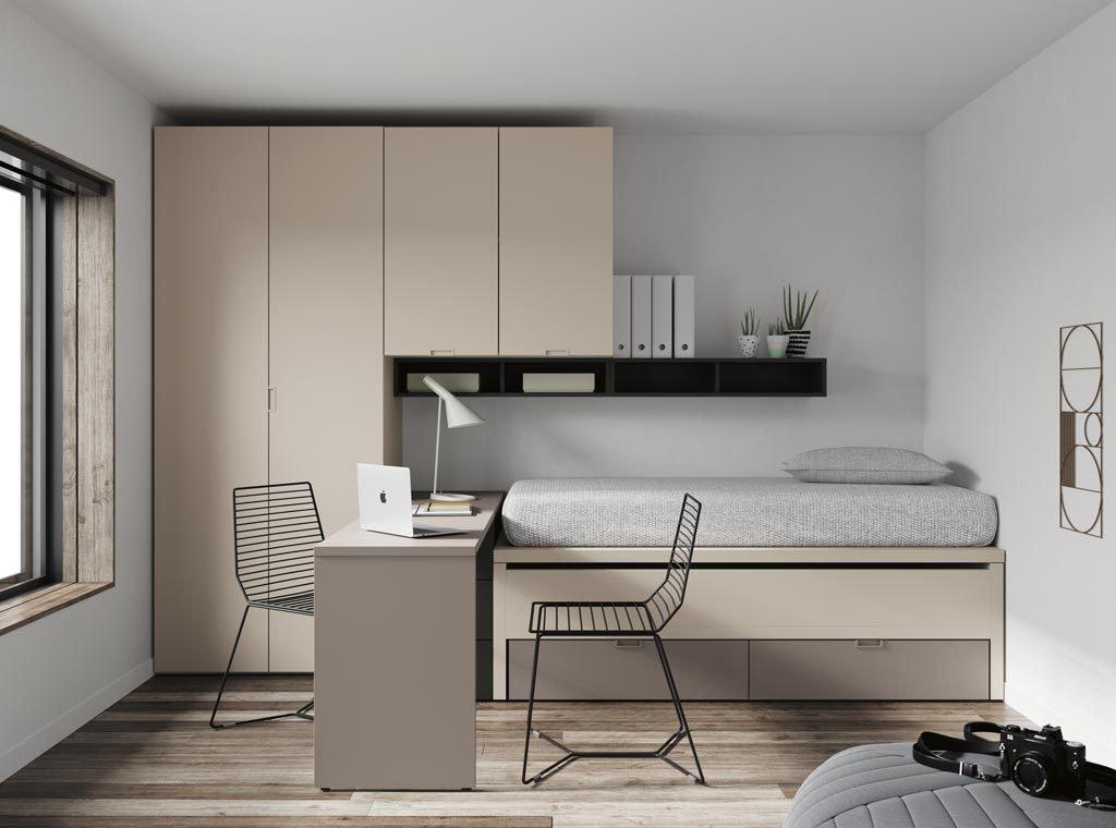 Habitación juvenil muy completa y compacta con dos camas, armarios y zona estudio en poco espacio