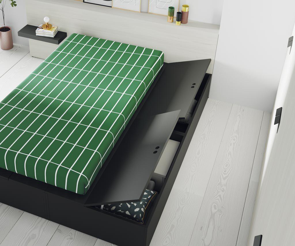 Detalle de los grandes arcones herméticos que dispone esta cama