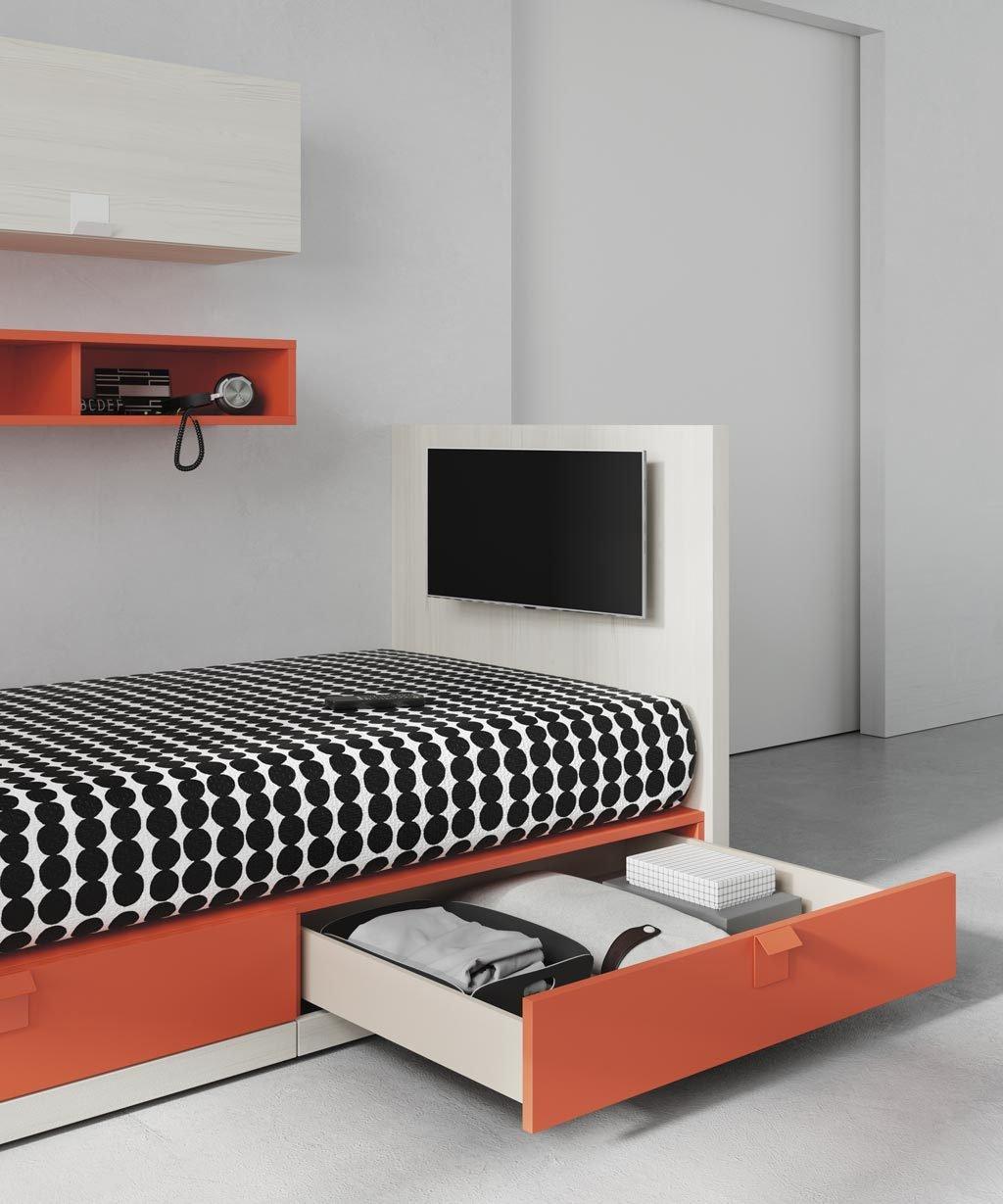 La cama dispone de dos cajones de gran capacidad y puedes tener una TV en la cama