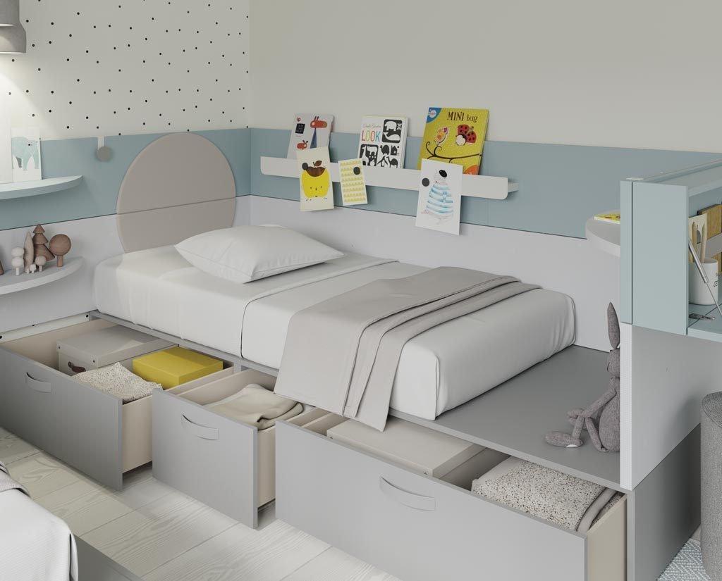 Detalle de los grandes cajones que hay tiene bajo la cama para mantener la habitación en orden