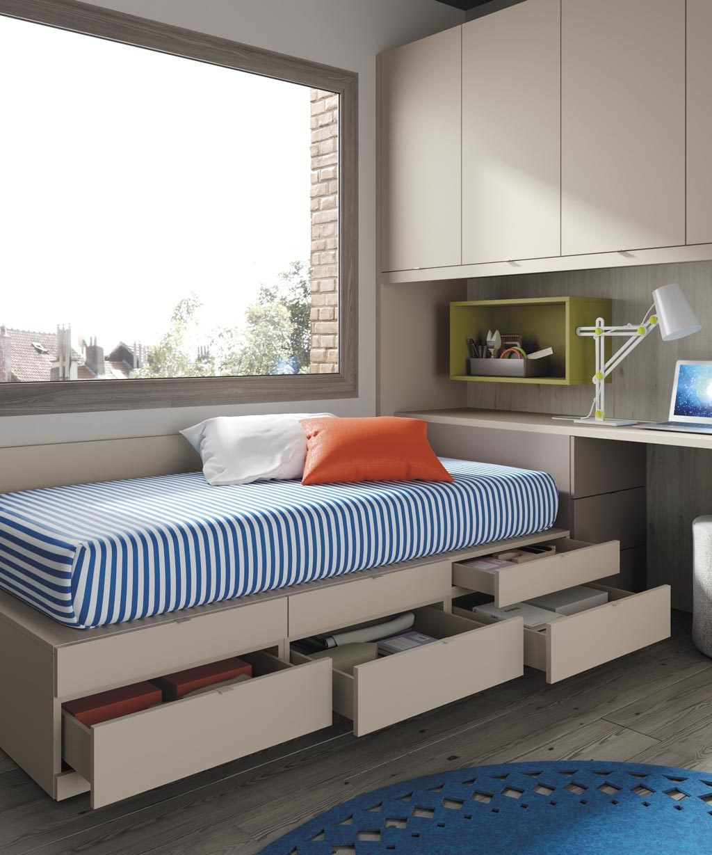 Detalle de los cajones de diferente tamaño de la cama compacta