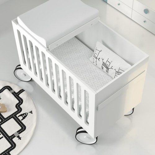 Detalle de la cuna para bebe con cambiador