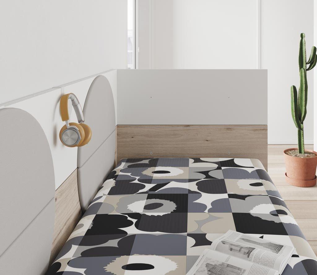 Detalle del colgador incorporado a la trasera de la cama para colgar lo que quieras