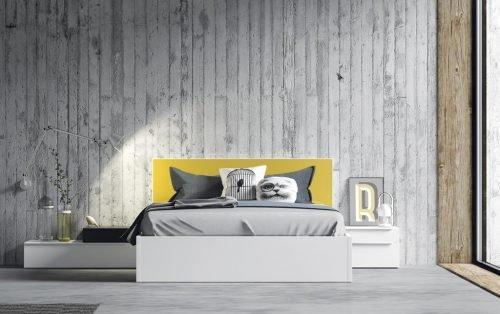 Dormitorio de adulto con el cabecero combinado en Mostaza y Blanco