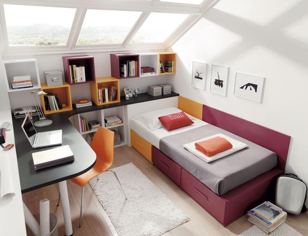 Escritorio en L para aprovechar mejor el espacio de la habitación