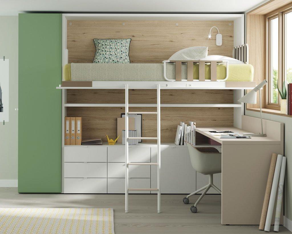 Cama abatible alta abierta para tener una habitación muy funcional