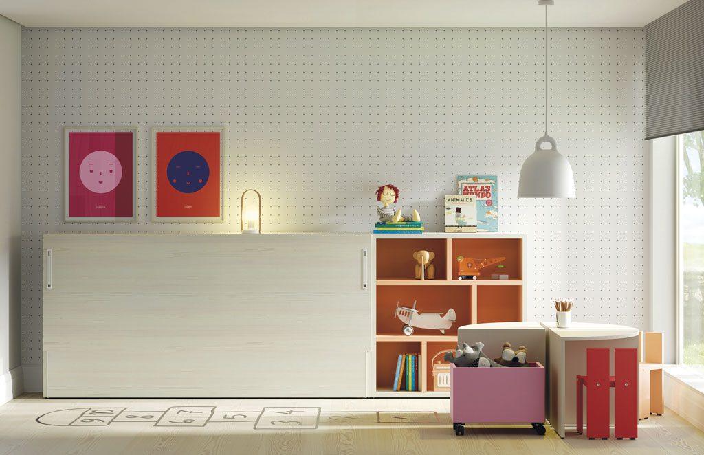 Cama abatible horizontal en una habitación infantil