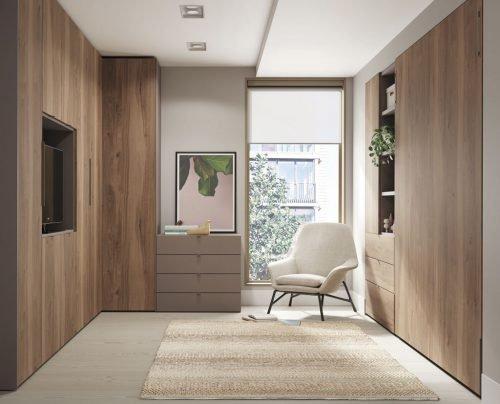 Habitación con una cama plegable vertical de 190x150 cm